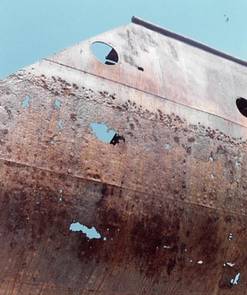 Murata di babordo: incrostazioni di ruggine e colature
